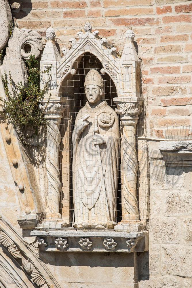 Duomo Cattedrale, Santo Vescovo