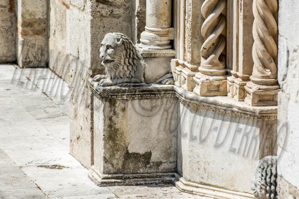 Duomo Cattedrale, Leone, Portale Principale