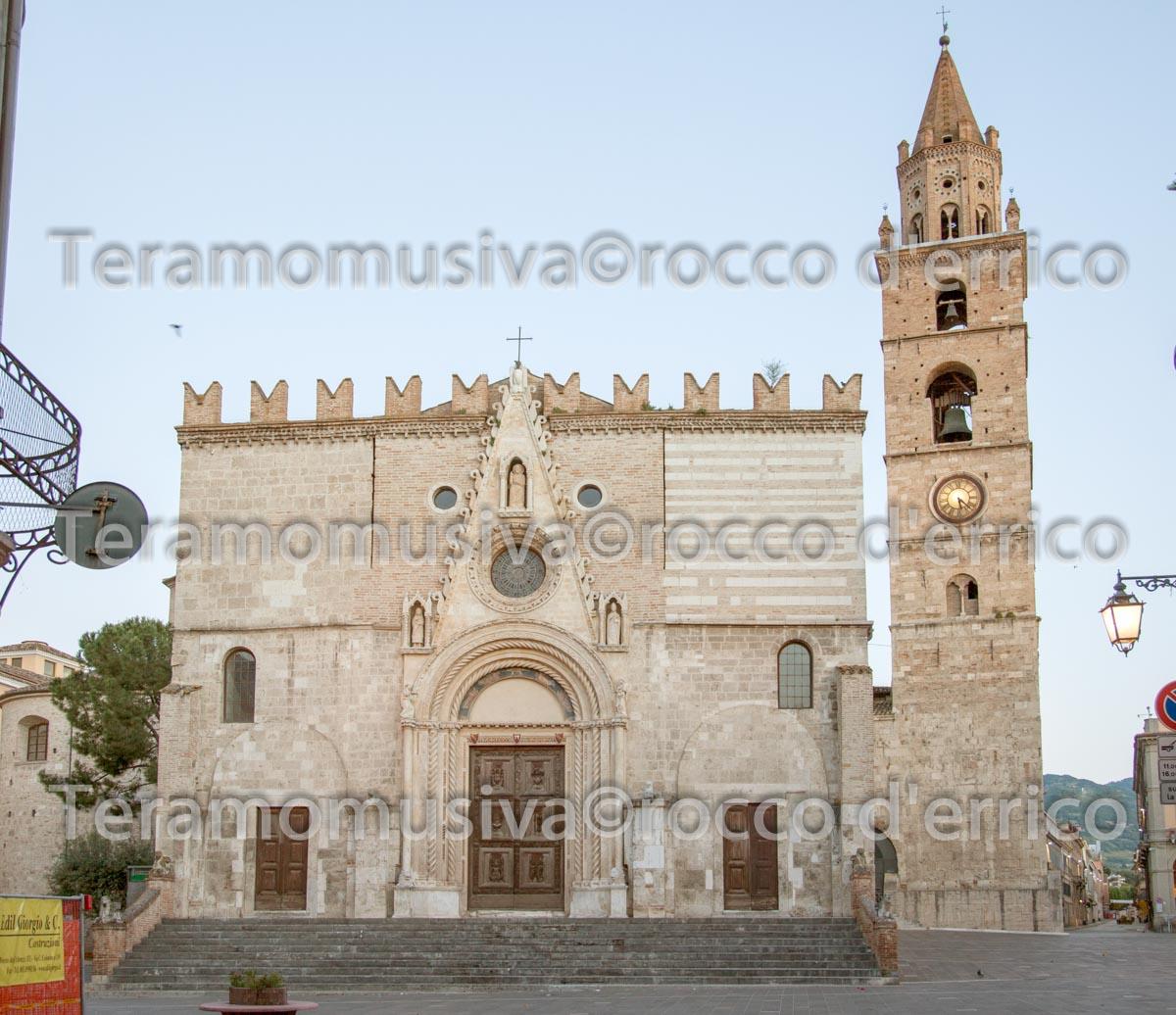 Duomo Cattedrale, Facciata Principale